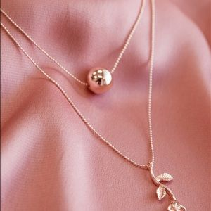 ROSE GOLD FLOWER ROSE & BALL LAYERED NECKLACE